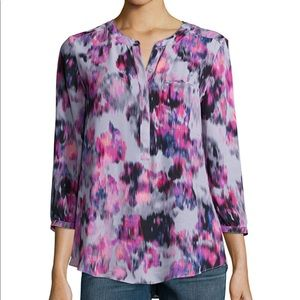 NYDJ $129 Abstract Henley Pleat Back Blouse Top